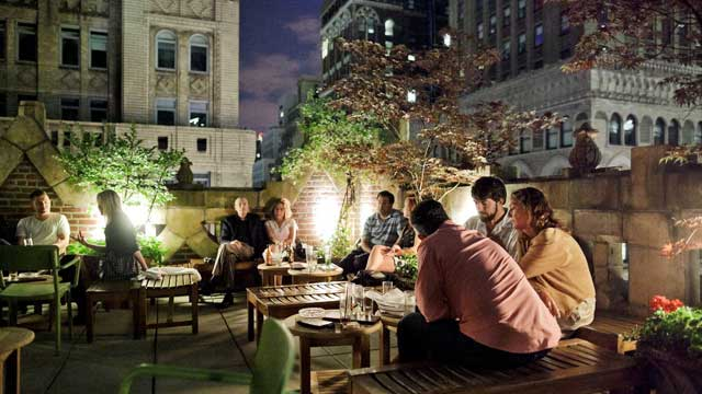 A Complete Guide to the 40 Best Rooftop Bars in New York in